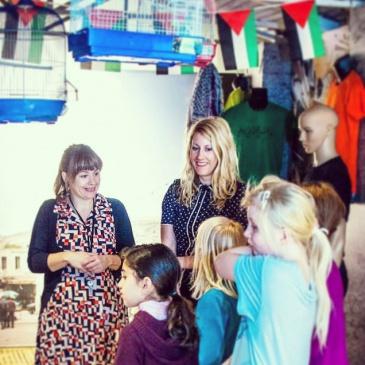 Artist Signe Christine Urdal and Stine Honoré with children at workshop at Stavanger Museum